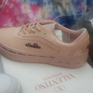 Ellesse Shoes   Ladies Ellesse Sneakers